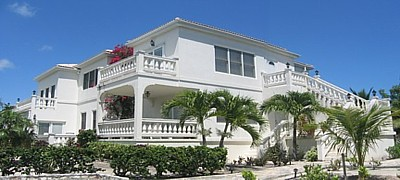 Luxury Vacation Rentals, near Grace Bay Beach, close to Snorkeling Reef, on Providenciales in the Turks and Caicos Islands